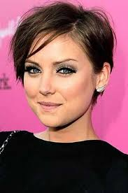 best hairstyle for women with thinning crown best 25 pixie haircut thin hair ideas on pinterest short hair