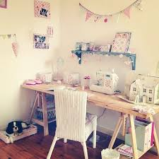 bureau fait maison diy un bureau fait maison bureaus artists space and toile