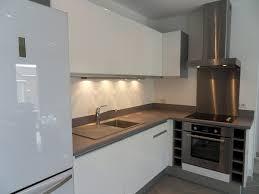 plan de travail cuisine blanche plan de travail cuisine gris anthracite meuble de cuisine blanc