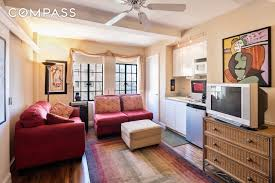 Studio Apartments 5 Tiny But Cute Nyc Studios For 350 000 Or Less Curbed Ny