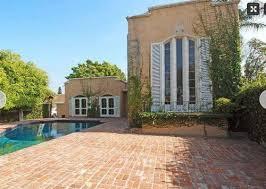 italian villa style historic home needs exterior paint