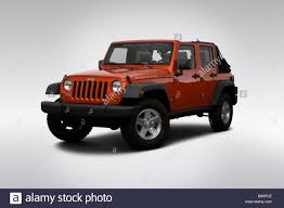 jeep wrangler front 2009 jeep wrangler unlimited rubicon in orange front angle view