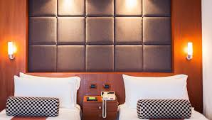 Twin Bed Vs Double Bed Hotel Deluxe Room Amari Watergate Bangkok