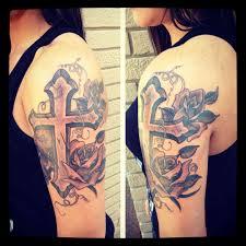 tattoo shoulder tattoo roos shoulder schouder arm front neck roses