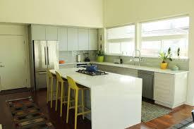 comment decorer sa cuisine comment décorer une cuisine en optimisant l espace disponible