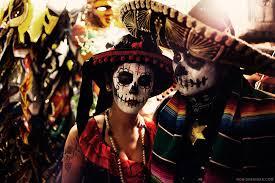 Dia De Los Muertos Costumes Dia De Los Muertos At The Hollywood Cemetery