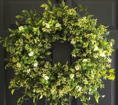 new home housewarming gift ideas year round boxwood wreath