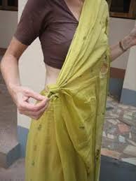 How To Draping Sari Safari How To Drape A Bengali Style Sari
