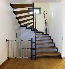 treppe dekorieren halbgewendelte treppe konstruieren archzine net