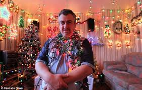 who has the cheapest christmas lights meet the man who heats his home with thousands of fairy lights but