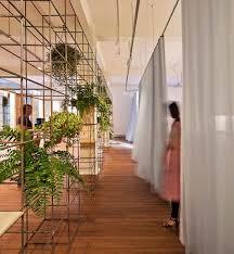 Salon Design Interior Best 25 Beauty Salon Interior Ideas On Pinterest Salon Interior
