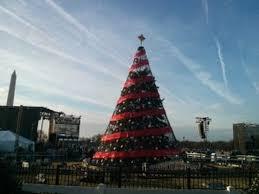 spode christmas tree poinsettia 5 piece gift set spode usa