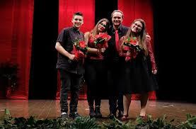 libreria petrucci chiaravalle successo al teatro per tre studentesse dell istituto