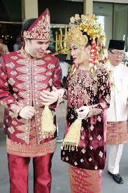 Wedding Cake Palembang Palembang Wedding Headpiece Inspiring Post By Bridestory Com