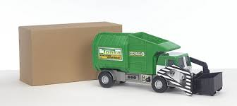 bruder garbage truck amazon com tonka mighty motorized garbage truck toys u0026 games