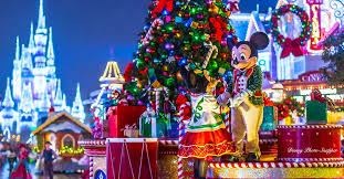 5 spectacular reasons to visit walt disney world during the holidays