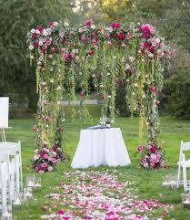 budget fleurs mariage 1001 idées pour une arche de mariage romantique et élégante