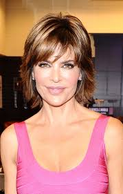 lisa renick hairstyles lisa rinna shows off her lip reduction photos huffpost