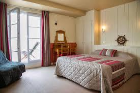 chambre des m騁iers ile de chambre avec terrasse privative hotel vue mer yeu chambres d