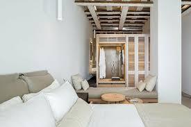 chambre d hote en grece rénovation originale d hôtel mykonos bill coo design feria