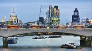 themse gezeiten london waterloo bridge ist eine bekannte brücke in london