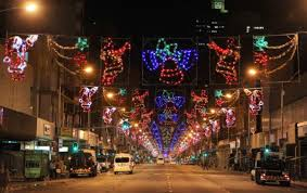 Christmas Decorations Street Lights by Most Cities Around The Country Proudly Display Christmas Lights