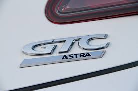 opel logo latest generation 1 4 and 1 6 turbocharged engines for opel astra gtc