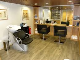 Vanity Case Beauty Studio Best 25 Small Hair Salon Ideas On Pinterest Small Salon Airbnb