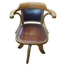 fauteuil de bureau en bois pivotant fauteuil américain ancien baumann la salle des ventes du particulier