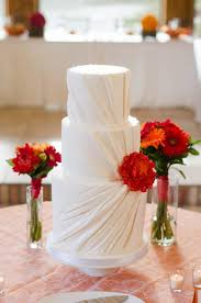 plain wedding cakes white wedding cakes that are anything but plain