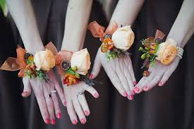 bridesmaid corsage 10 creative beautiful alternative bridesmaid bouquets chic