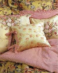 Pink Bedroom Cushions - 231 best decorating pillows images on pinterest cushions
