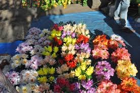 artificial flower file artificial flower sellers jpg wikimedia commons