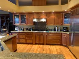 what color kitchen cabinets go with oak floors oak floor color