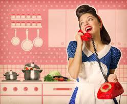 affiche cuisine retro rétro femme parlant au téléphone en affiche d intérieur de