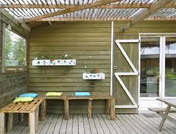 terrasse en bois suspendue beautiful terrasse couverte en bois gallery home decorating