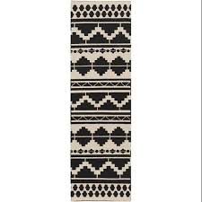 Aztec Runner Rug Buy 2 5 X 8 Aztec Bohemian Midnight Black And Gray Woven Wool