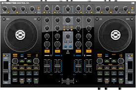black friday native instruments traktor amazon 4 deck dj controllers the ultimate buyer u0027s guide 2011