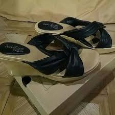 Strictly Comfort Sandals 33 Off Cristina Francini Shoes Pewter Bling Sandles New Made