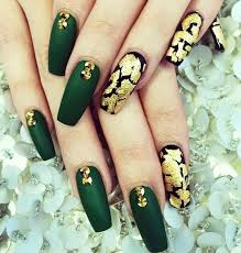 i want it as my nails for halloween when i dress up in slytherin