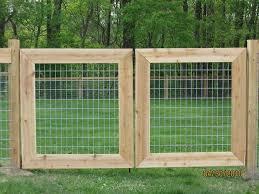 Backyard Fences Ideas by Best 20 Farm Fence Ideas On Pinterest Farm Fencing Pasture