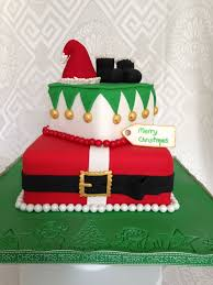 Christmas Cake Decorating Accessories by 30 Best Christmas Cakes Images On Pinterest Holiday Cakes