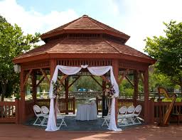 shades of green wedding gazebo this is a pretty ceremony option