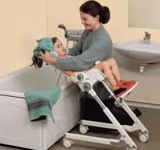 siege baignoire handicapé chaise de baignoire pour handicap free support de pour