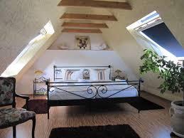 schlafzimmer mit dachschrã ge gestalten de pumpink schlafzimmer komplett kaufen