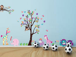 stickers animaux chambre bébé stickers arbre dans la chambre bébé et enfant en 28 idées