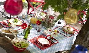 21 table decoration ideas for a summer garden party