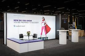 digital photo booth 8 tips for using digital signage at trade shows crunchy tech