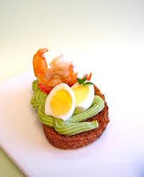 canap avocat crevette bruschetta à la crevette sur lit de guacamole diet délices
