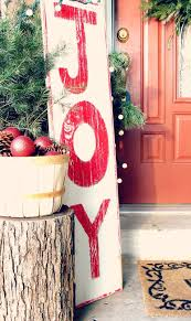 Diy Outdoor Christmas Decorations by 100 Diy Christmas Decorations That Will Fill Your Home With Joy